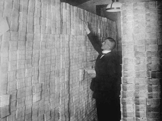 Alman markı saymak ciddi iş gücü gerektirmeye başladı