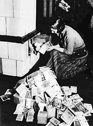 1920'de Almanya'da kömür fiyatları alman markı yakarak ısınmaktan daha pahalı hale geldi